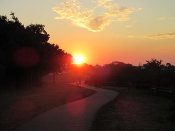 Sunrise over Dallas Road, Victoria, BC. Photo by Ian Byington